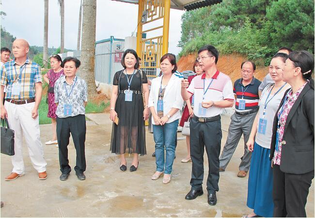 凭祥市政协组织委员开展重点项目视察评议活动