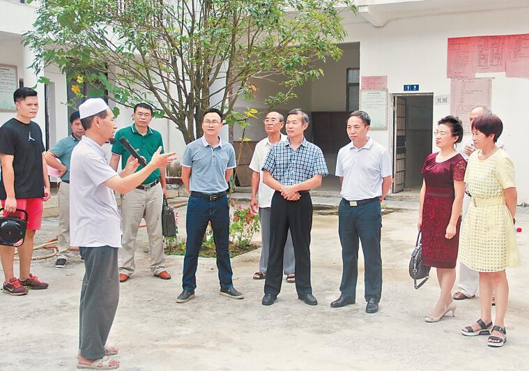 桂林市临桂区政协组织考察组到雁山区政协考察学习
